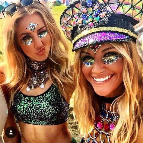 17 best ideas about Festival Looks on Pinterest | Glitter hair Festival hair and Glitter