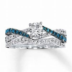 1 carat luxurious round white diamond and blue sapphire With blue wedding ring sets