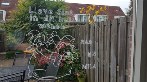 Huis Versieren Voor Sinterklaas by Je Ramen Versieren Voor Sinterklaas Met Krijtstift