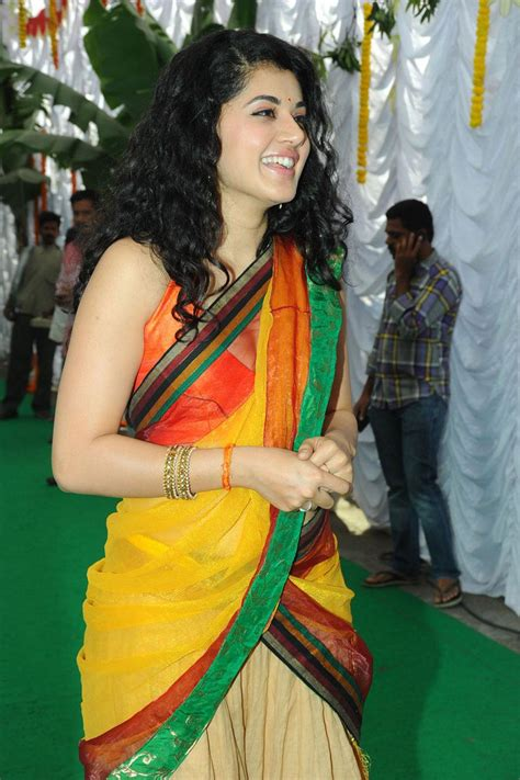 Glamorous Girls Taapsee Pannu Latest Photos In Saree At