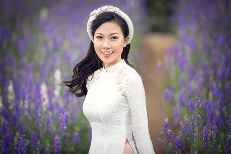 Btv Dự Báo Thời Tiết Diện áo Dài Xinh Như 'hoa Hậu' Tại