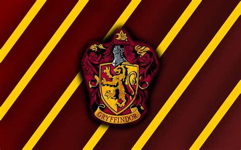 Harry Potter Castle Wallpaper Harry Potter Gryffindor Wallpaper Wallpapersafari