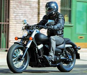 Honda Shadow 750 Occasion : honda vt 750 shadow c2b black spirit 2011 fiche moto motoplanete ~ Medecine-chirurgie-esthetiques.com Avis de Voitures