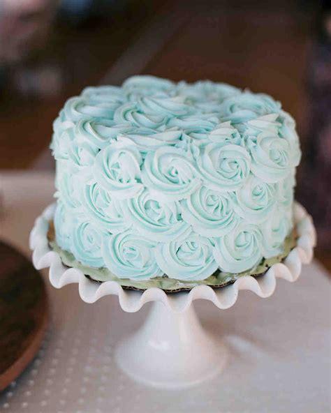 simple wedding cakes   gorgeously understated