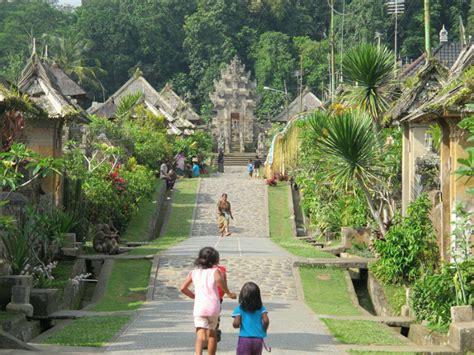 sammy traveler penglipuran desa cantik  bali tempat