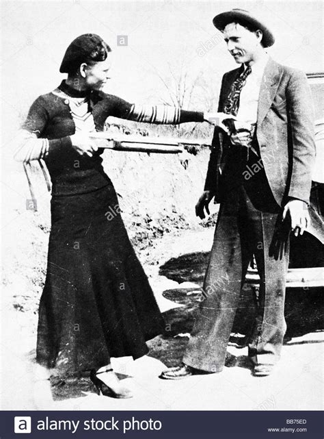 Bonnie Images Bonnie And Clyde 1933 Photo Of The Infamous Outlaws Taken