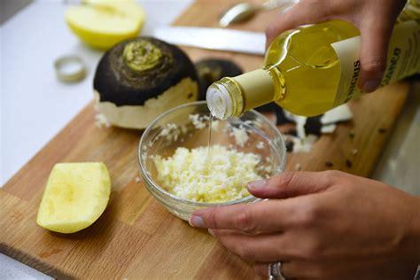 salsa fatta in casa salsa cren fatta in casa la tradizione veneta dal sapore