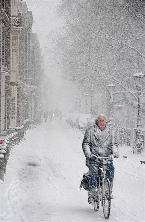 fietsen in de sneeuw (snow cycling) Winter scenes