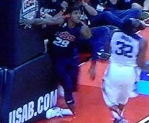 9 Paul George Bone Sticking Out of Broken Leg Photos - Out ...