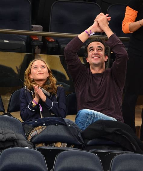 Mary-Kate Olsen and Olivier Sarkozy clapped in the stands ...