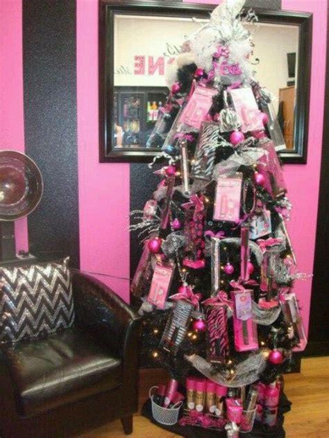 hang products  sell    christmas tree