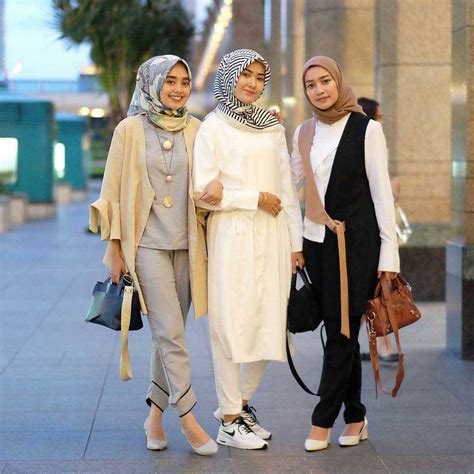 trend busana hijab  simple casual  modern
