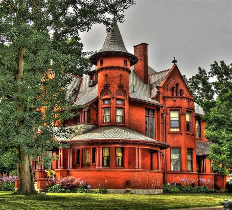 amazing   restored victorian houses