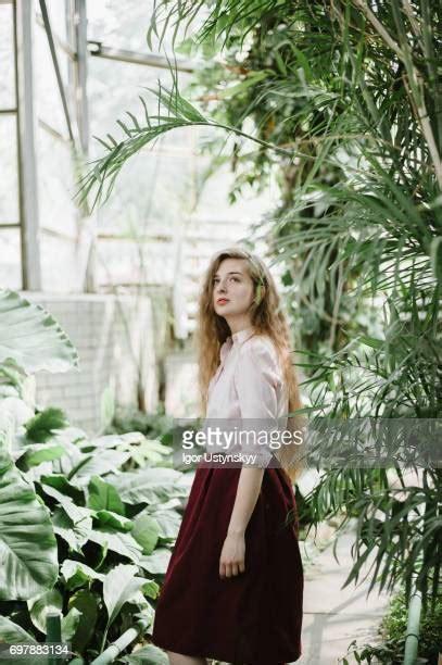 exotic female models   premium high res pictures