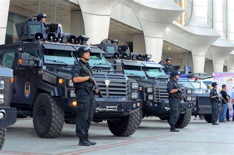 兰州特警演练现全国最先进防暴装甲车网易新闻