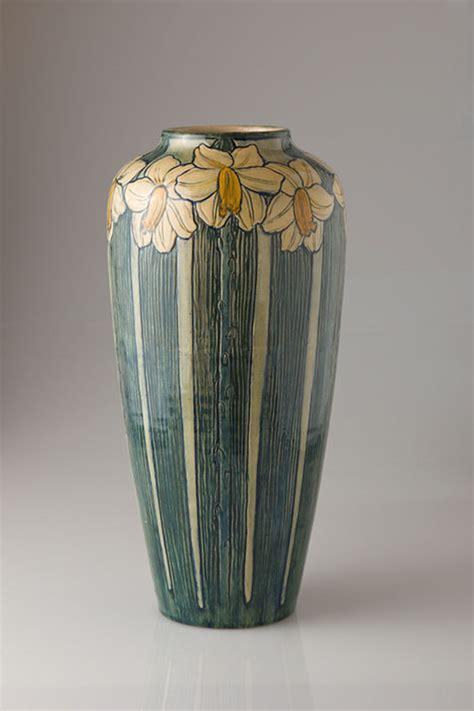 women art social change  newcomb pottery