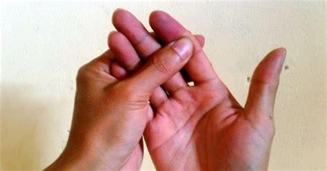 mengobati nyeri sendi  jari tangan kestip