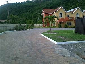 Apartment For Sale in Red Hills, Kingston / St Andrew