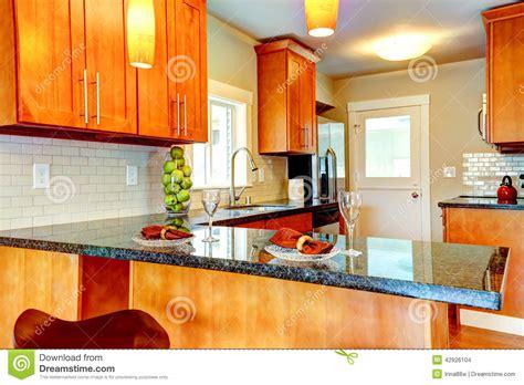 le plan de travail cuisine interio moderne de pièce de cuisine avec le plan de