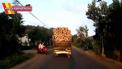 Keterangan supir truk cabe tabrak pembalap liar. SOPIR JOSSS.......!TRUK CANTER OLENG TRUK SENGON RASA TRUK CABE SOUSSS - YouTube