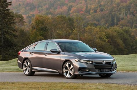 4 Cool 2018 Honda Accord Features  Motor Trend