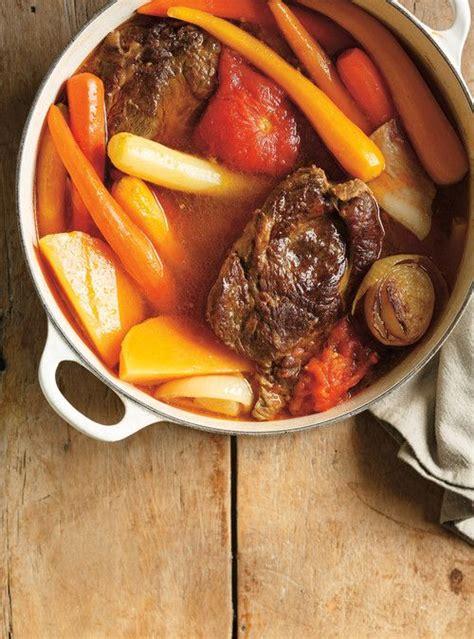 pot au feu de boeuf 224 la tomate recettes ricardo qui se cong 232 lent a well