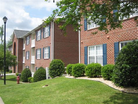 One Bedroom Apartments Greenville Nc by Lakeside Apartments Rentals Greenville Nc Apartments