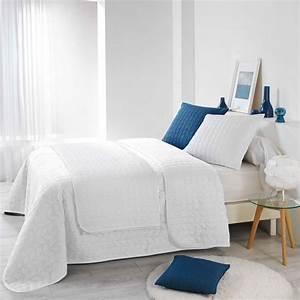 Dessus De Lit Boutis : couvre lit 220 x 240 cm erika blanc couvre lit boutis eminza ~ Teatrodelosmanantiales.com Idées de Décoration