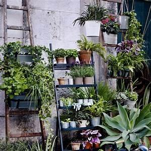 Pot Pour Balcon : d coration balcon 12 pots de fleurs et jardini res c t maison ~ Teatrodelosmanantiales.com Idées de Décoration