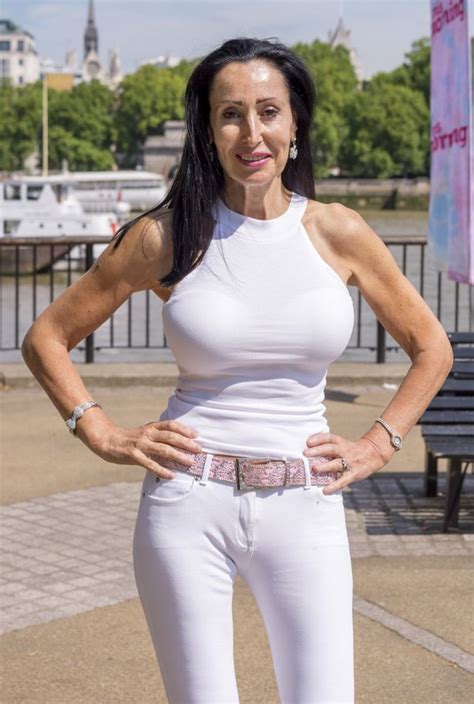 Gorgeous Granny Stephanie Arnott 58 Fails To Attract Any Onlookers In This Morning Street