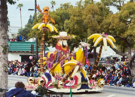Banana Boat Song Animation by Animal Floats In The 2004 Rose Bowl Parade In Pasadena