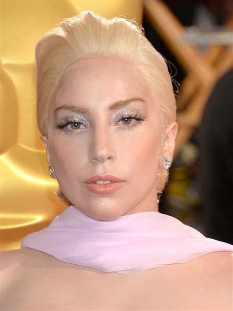 2014 Oscars beauty looks: Is mum hair the real red carpet