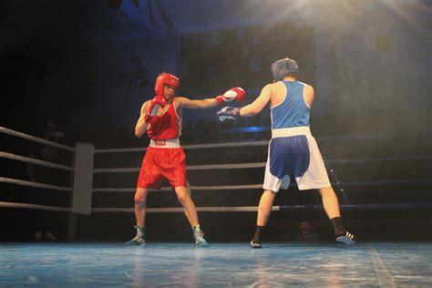 Mūsu bokseriem uzvaras šovā