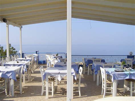 casa cuisine bar restaurants casa de blue studios kefalonia lourdata