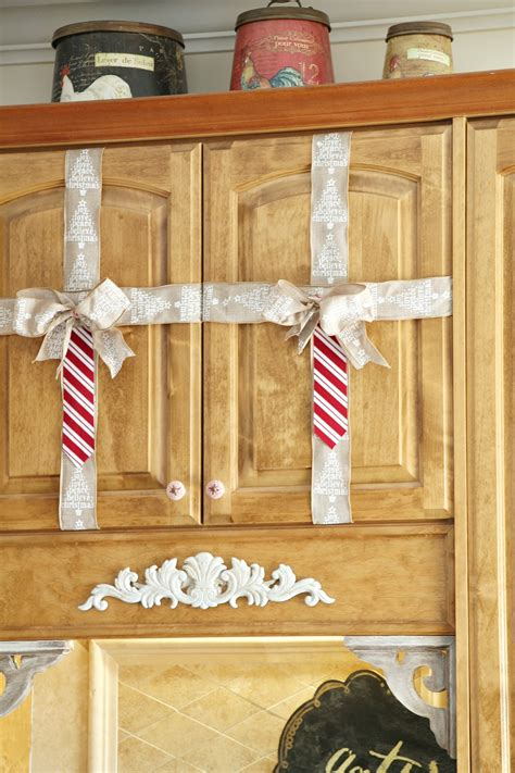 simple christmas decorating ideas   kitchen debbiedoos