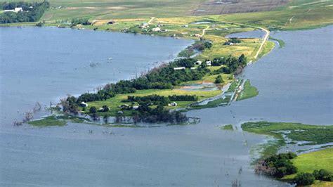 devils lake  red river valley flood north