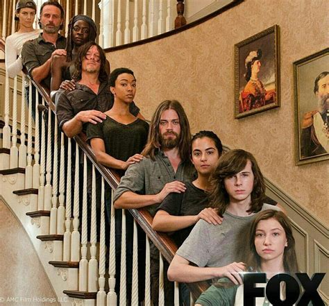 The Walking Dead Negan Wallpaper Spoilers New Photo Of The Walking Dead Cast Thewalkingdead