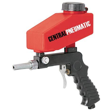 gun blaster sand spot sandblaster oz gravity feed hopper blasting paint spray hand rust harborfreight metal remove held pneumatic central
