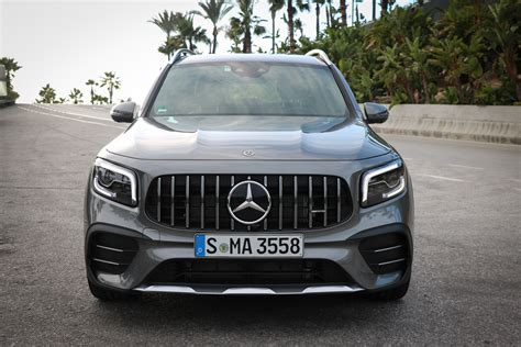 The new amg glb 35 balances the equation a bit, but at roughly $15,000 less than the amg model, the x1 holds the clear value advantage. Mercedes-AMG GLB 35 4MATIC Fahrbericht - Mercedes-Benz Passion Blog / Mercedes Benz, smart ...