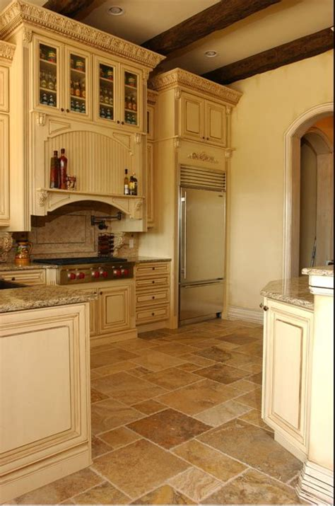 painters for kitchen cabinets 17 best images about tuscan style decor on 4007