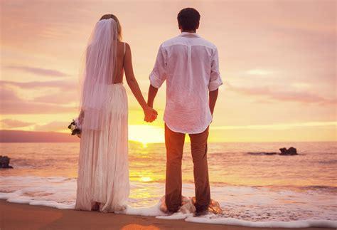 Beach wedding photography   Articles   Easy Weddings