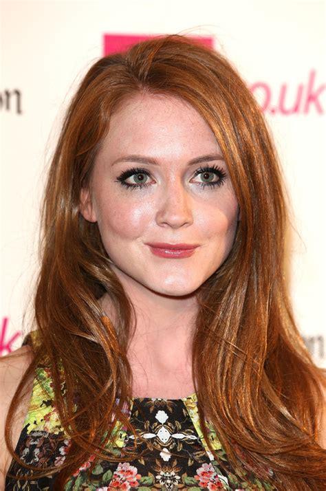 classify english actress olivia hallinan