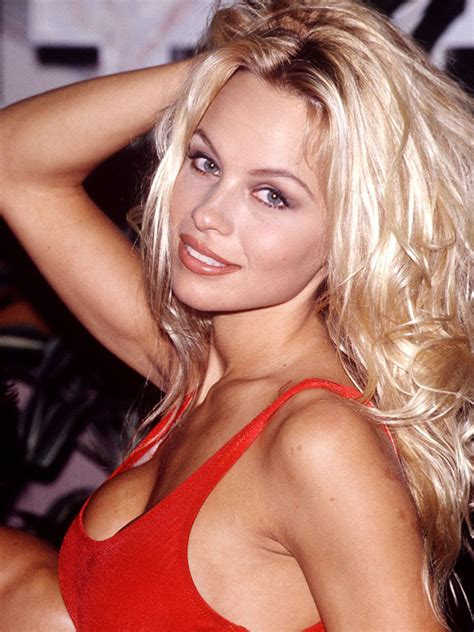 amazing pics pamela andersons changing