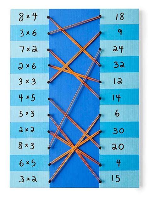 Son simples y sencillos de llevar a cabo con pequeños grupos o incluso con toda la clase. 4 juegos educativos caseros ¡de matemáticas! | Pequeocio