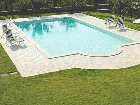 costruire una piscina interrata tipologie costruzione e consigli