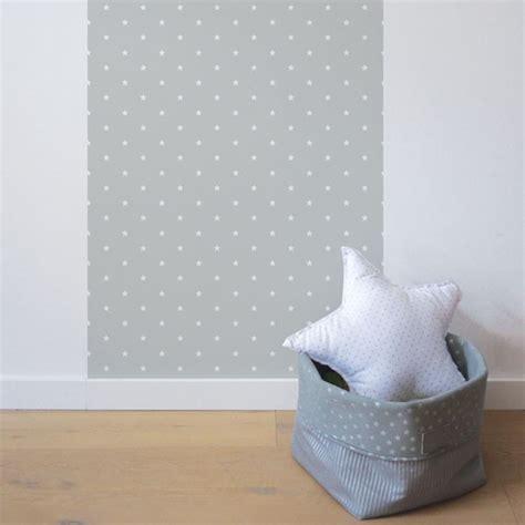 chambre bebe ourson papier peint chambre bébé étoiles