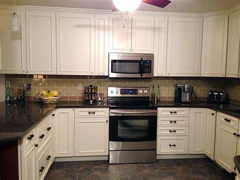 backsplash with white cabinets 19 kitchen backsplash white cabinets ideas you should see
