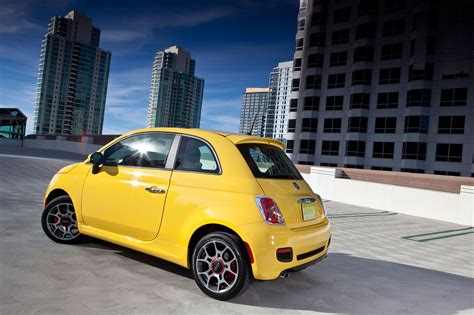 Mpg Fiat by Top Ten Cheapest Cars That Get 40 Mpg Automobile Magazine