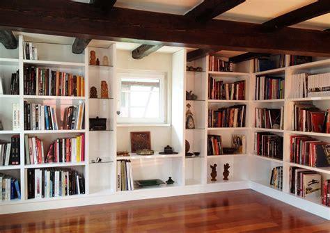bureau blanc avec rangement réalisez votre bibliothèque sur mesure à strasbourg