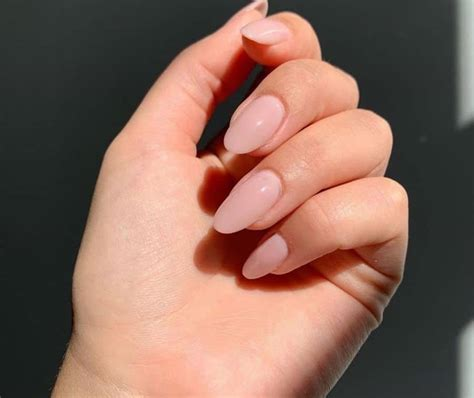 unghie gel neutre migliori eleganti scintillanti idee sfumate